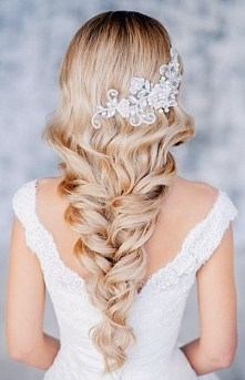 Najlepsze fryzury ślubne 2015
