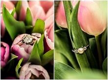 Niebanalne zaręczyny: pierścionek znaleziony w bukiecie kwiatów.