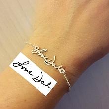 niesamowity prezent!*.* bransoletka z TWOIM napisem, dosłownie:) aaaa chce:)