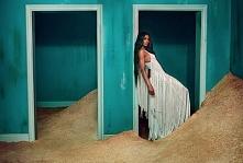Ciara w kampanii Roberto Cavall