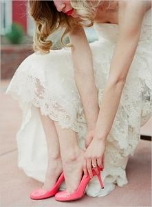 Kolorowe buty ślubne | Pretty Day