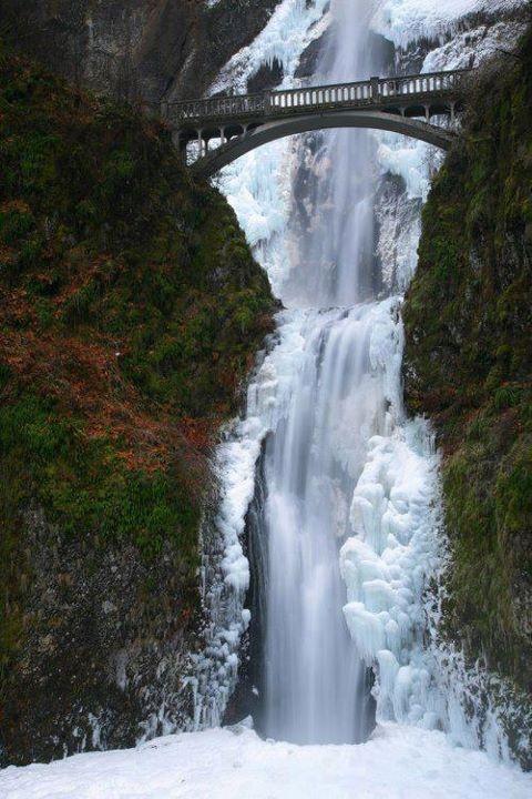 Gdzieś na rzece Columbia river, Oregon, USA.