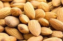 Migdały redukują poziomu cholesterolu! Migdały redukują poziomu cholesterolu! Czy martwisz się, aby utrzymywać poziom cholesterolu na zdrowym poziomie? Jeśli tak, mamy dla Ciebi...