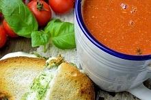 Włoska zupa pomidorowa z za...