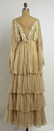 Wedding dress Lucile (British, 1863–1935) Date: 1915 Culture: British Medium:...