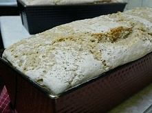 """Świeży żytni chleb na zakwasie prosto z domowej """"piekarni"""" mm <3 Uwielbiam takie powroty do domu. Nie dosyć, że pyszne to jeszcze zdrowe :D"""
