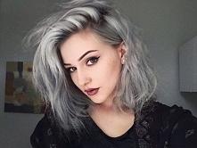 siwe włosy, które pokochał ...