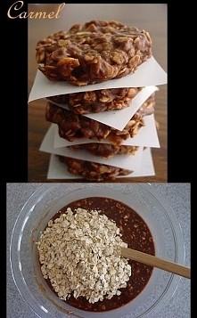 Ciastkaaa -szklanka płatek owsianych -szklanka cukru -kakao -masła (100 g) -k...