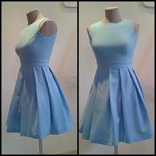 Pastelowa sukienka.