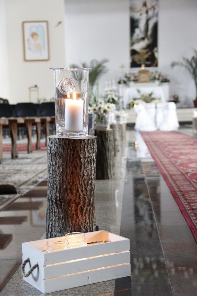 rustykalna dekoracja w kościele