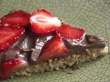 Owsiane ciasto ze zdrowym kremem czekoladowym. Wygląda pysznie :D