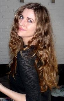 pięć fryzjerskich trików na lepszy stan włosów. Więcej po kliknięciu!