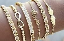 Dziewczyny jak myślicie czy takie bransoletki nadają się na prezent dla przyjaciółki ? Gdzie mogę takie kupić ? *-*