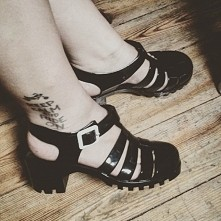Nowe buty. Ni to glany, ni kalosze ani sandały, ale spodobały mi się xD