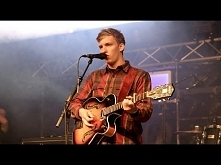 George Ezra's surprise performance on the BBC Introducing stage at Gl...