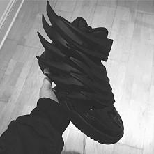 Jeremy Scott black wings *.*