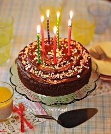 Proste urodzinowe ciasto cz...