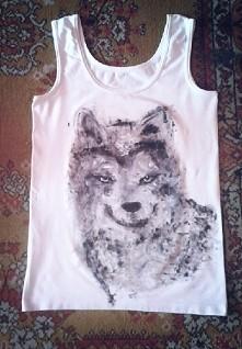 fochaty wilk ! :D.  ciężko się malowało po tej koszulce.
