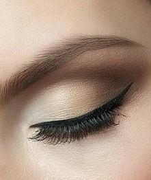 kreska Eye linerem
