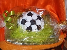piłka z cukierków
