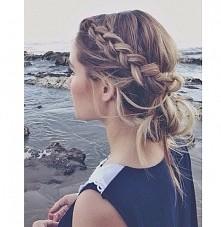uwielbiam takie fryzury !