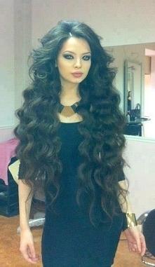 Długie włosy, fale