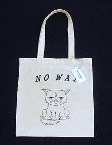 Ręcznie malowana torba bawełniana z długimi uszami. Chcesz zobaczyć więcej modeli? Znajdź MoreThanBags Handmade na facebooku ;) Wykonujemy również torby na indywidualne zamówienia