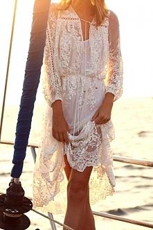 koronkowa sukienka na plażę