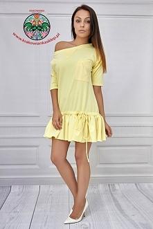 żółta dzianinowa sukienka