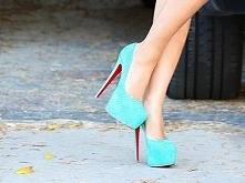 dwa marzenia: 1. te buty 2. nie przewrócić się w nich.