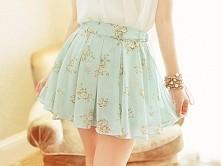 Śliczna ta spódniczka.