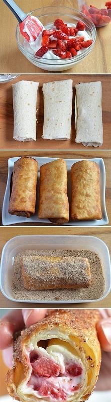 naleśniki z serem i truskawkami - po usmażeniu obtoczyć w cukrze pomieszanym z cynamonem