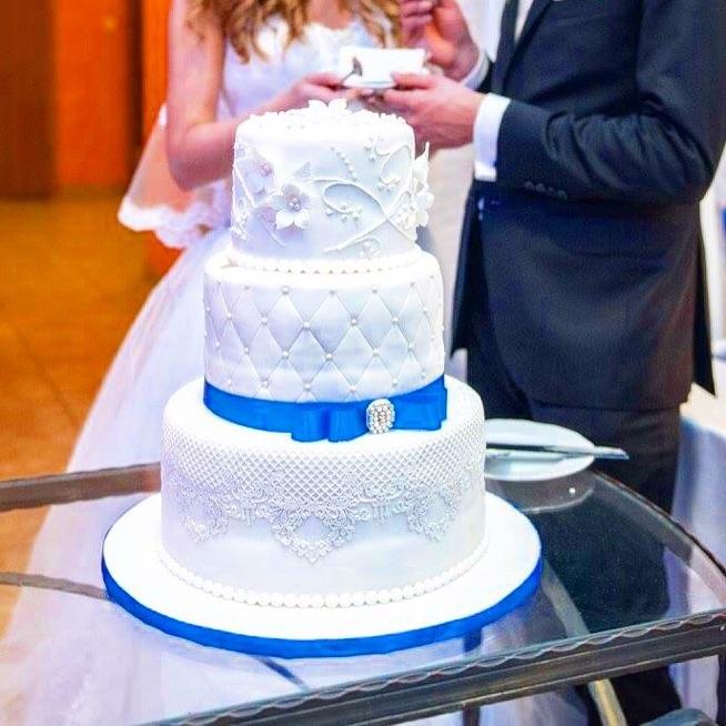tort z kontaktowym motywem przewodnim
