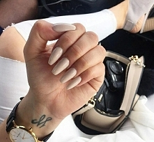 NUDE/NAILS