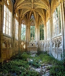 An abandoned church in France by Quentin Chabrot U-derzho Photographe
