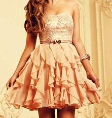 Krótka sukienka w kolorze nude :)