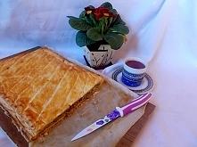 Placek z kapusty i ciasta francuskiego...