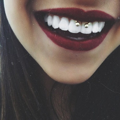 Piercing - smiley.