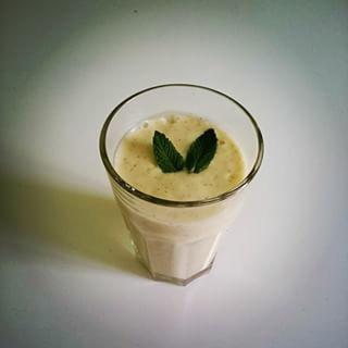 koktajl z mango i banana :) jako baza mleko sojowe :) idealna dawka energii po treningu :)