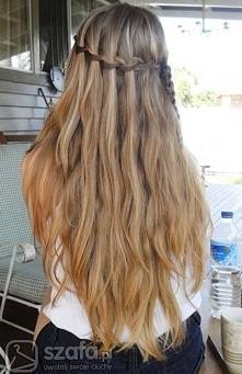 Brązowe włosy.
