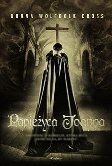 Bardzo ciekawa opowieść,o kobiecie ,która swego czasu stała się papieżem.Nies...