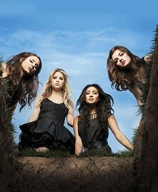 This is PLL day!!! ❤