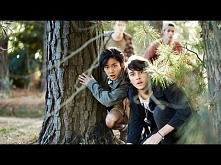Nowhere Boys - Series Trailer Opis: Serial fantasy opowiada o przygodach kilk...