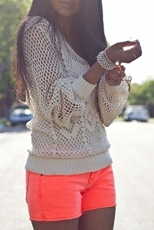 sweterek+krótkie spodenki