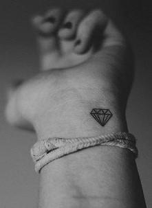 Mały tatuaż ☆