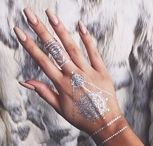 nude/nails/silver/tattoo