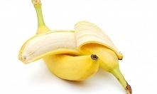 Skórka od banana Zanim wyrzucisz skórkę od banana, jej wewnętrzną część możesz wykorzystać do... czyszczenia butów skórzanych. Pielęgnuje, zbiera brud i przygotowuje obuwie do p...