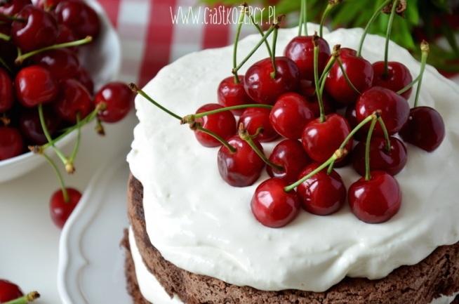 Pomysł na szybki i prosty tort z owocami. Przepis po kliknięciu w zdjęcie
