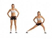 Ćwiczenie na szczupłe nogi – wypad boczny  Stojąc, oprzyj dłonie na biodrach i zrób duży krok w bok prawą nogą. Schodź niżej, aż do osiągnięcia kąta prostego w prawym kolanie. W...