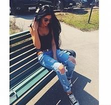 jeansy i trampki ;)